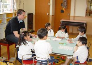 上尾の英会話教室TOMMY'S外語 幼稚園でのレッスン